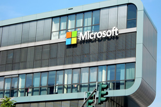 Growth Stocks: Microsoft focuses on cloud services