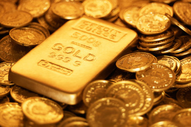 Gold stock benefits from two productive mines, strong cash flow